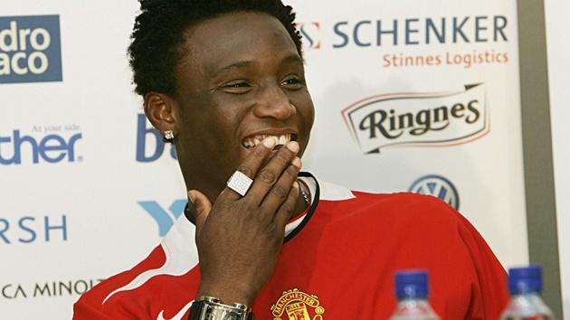Vì sao thương vụ Fernandes - Man Utd vẫn chưa được công bố? - Bóng Đá