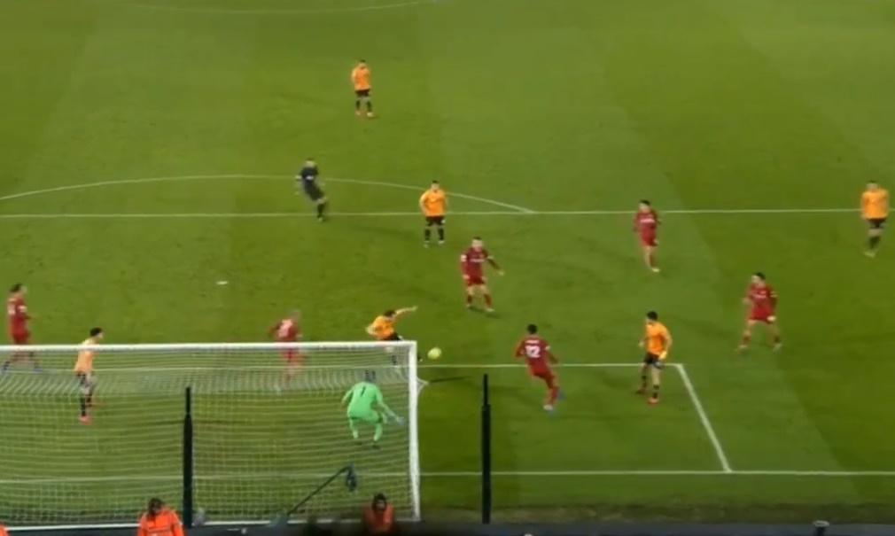 Firmino hạ Wolves, nhưng NHM Liverpool
