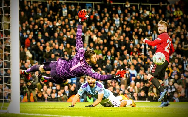 9 hình ảnh không nên xuất hiện với Man Utd thêm nữa: Đừng làm khổ De Gea!