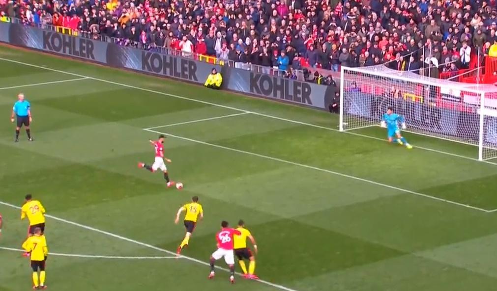 'United chơi tốt hơn nhiều khi cậu ấy có bóng' - Bóng Đá