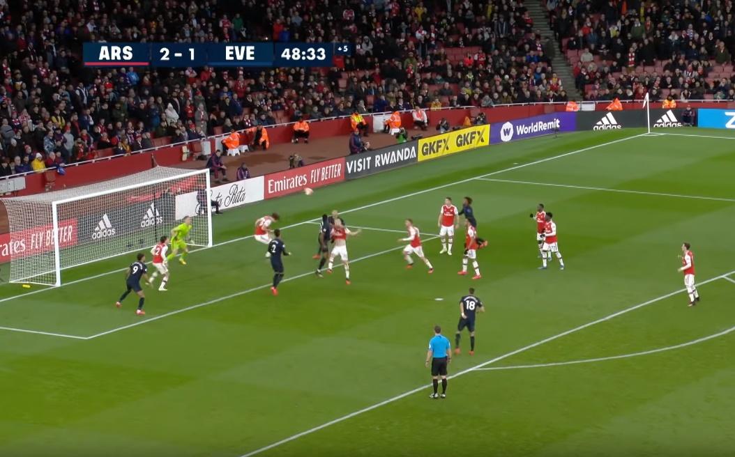 Đáng sợ! Mustafi và Luiz 'nhảy múa' khiến NHM Arsenal khóc thét - Bóng Đá