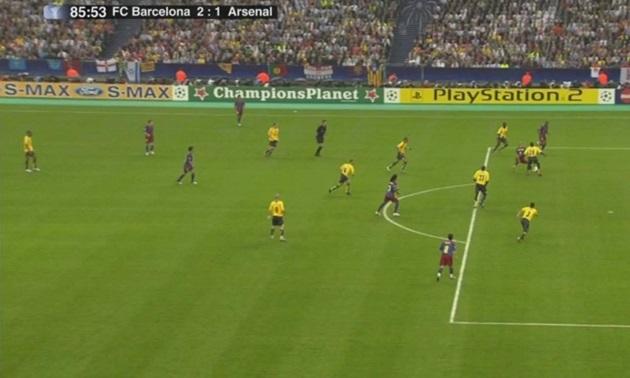 Hình ảnh này đã lấy hết nước mắt fan Arsenal - Bóng Đá
