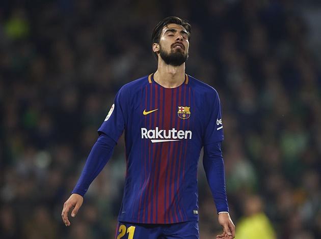 Thêm đại diện Premier League giành giật 'hàng thừa' của Barca - Bóng Đá