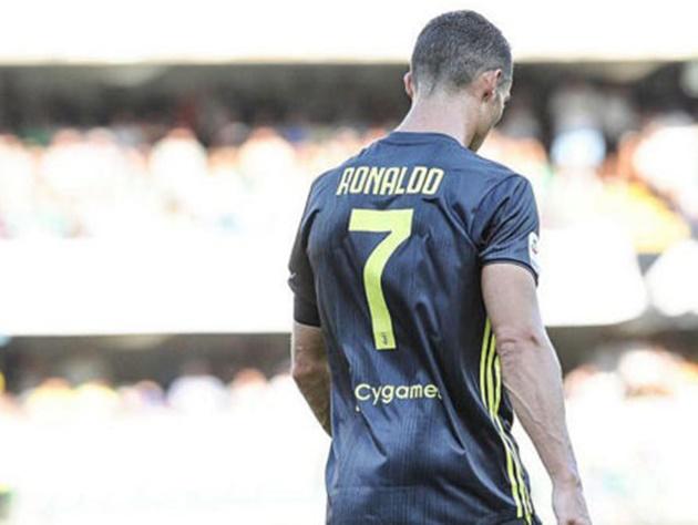 Ronaldo: Không phải tốt nhất mà còn tệ nhất? - Bóng Đá