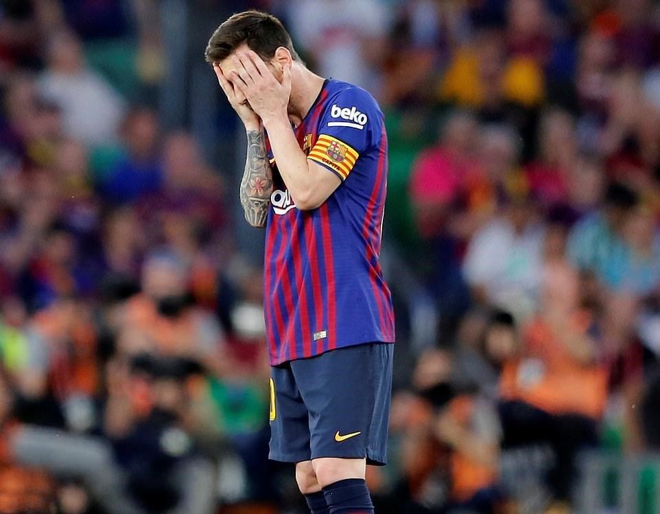 Và bây giờ ai là người sẽ xin lỗi Messi? - Bóng Đá