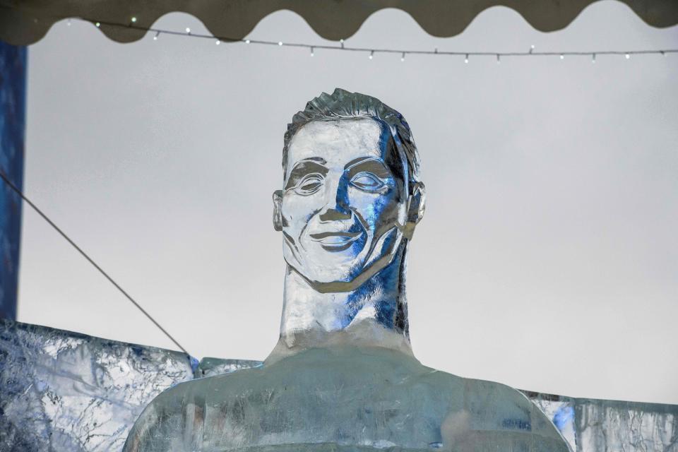 Ronaldo hóa 'ông hoàng băng giá' tại Nga - Bóng Đá