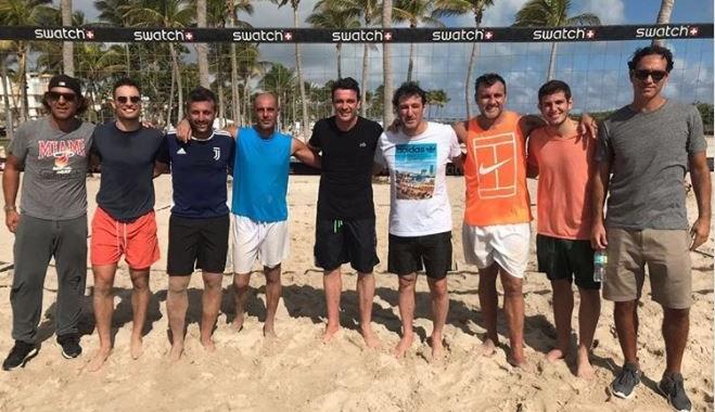 Hội cựu sao AC Milan độ tài năng trên bãi biển - Bóng Đá