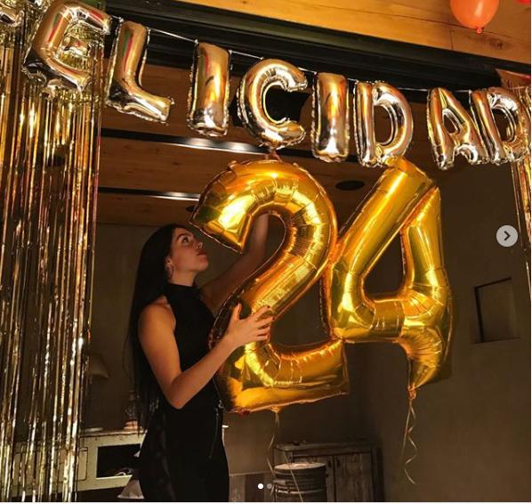 Ronaldo bỏ rơi người yêu trong ngày sinh nhật - Bóng Đá