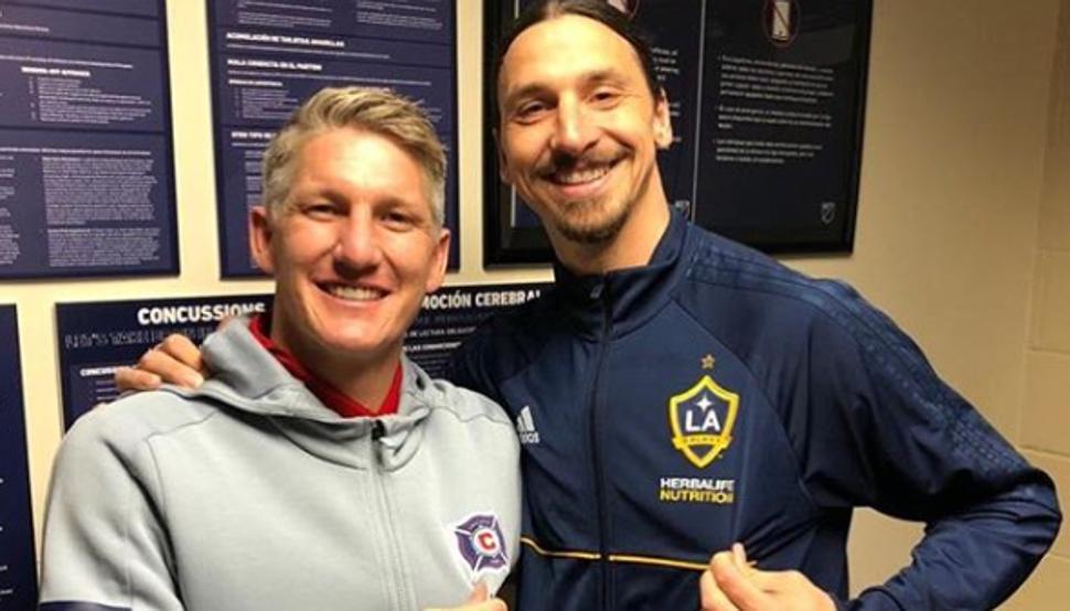 LA Galaxy chiến thắng, Ibra 'quàng vai bá cổ' đối thủ Schweinsteiger - Bóng Đá