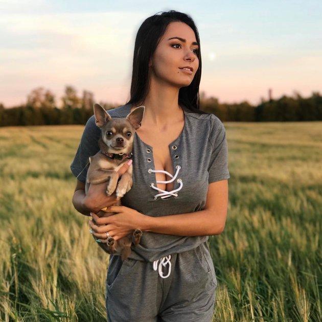 Du lịch Phần Lan, tình cũ của James Rodriguez khoe vòng một hững hờ - Bóng Đá
