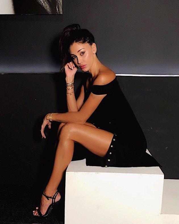 Siêu mẫu thù Juve hoá 'quý cô' gợi tình trong bộ ảnh mới - Bóng Đá