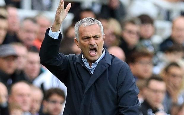 Jose Mourinho: Nếu khóc trong mưa sẽ bớt đau hơn… - Bóng Đá