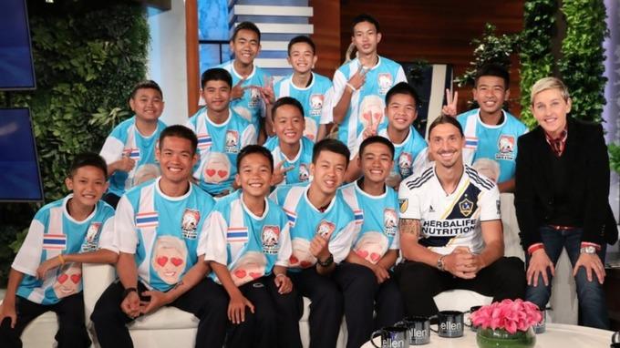 Đội bóng nhí Thái Lan giao lưu cùng Ibrahimovic - Bóng Đá