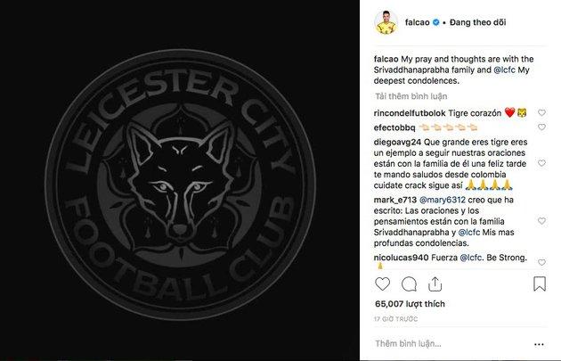 Falcao đã có hành động tuyệt vời khi hay tin chủ tịch Leicester qua đời - Bóng Đá