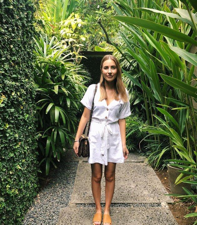 Jenna Vivian - Nàng WAGs tài sắc vẹn toàn của Malaysia - Bóng Đá