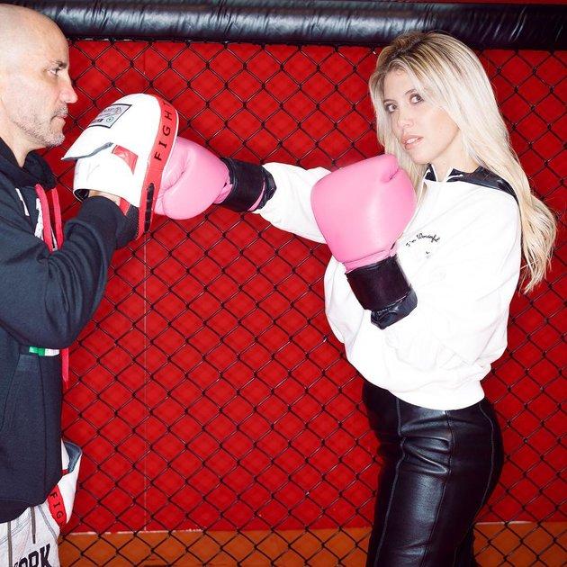 Đi tập boxing, vợ Icardi cũng lộng lẫy như 'bà hoàng' - Bóng Đá