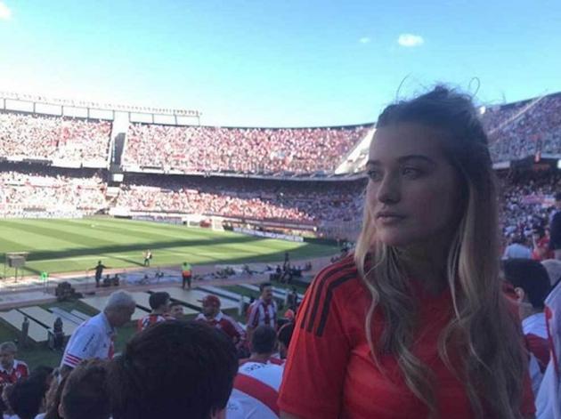 Aguero công khai bạn gái 22 tuổi (Ảnh) - Bóng Đá