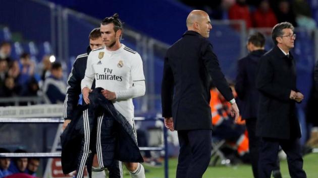 Bán 2 ngôi sao cho Man Utd, Zidane chờ 2