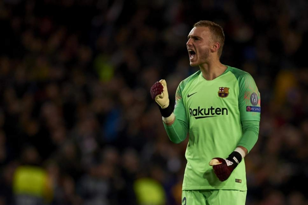 Everton want to 'sign Jasper Cillessen as soon as possible' as Toffees remain a 'more than reliable option' for the Barcelona goalkeeper - Bóng Đá