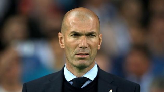 HLV Zidane đã sớm đưa về 5 bản hợp đồng chất lượng