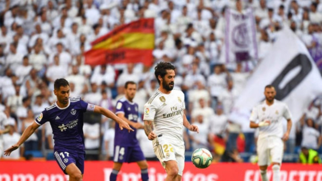 Real Madrid fans reappear at the Bernabeu: 63,037 attend Real Valladolid clash - Bóng Đá