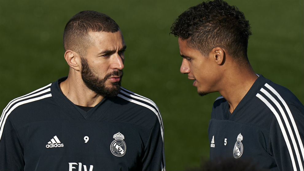 Benzema: No forward has been able to destroy Varane - Bóng Đá