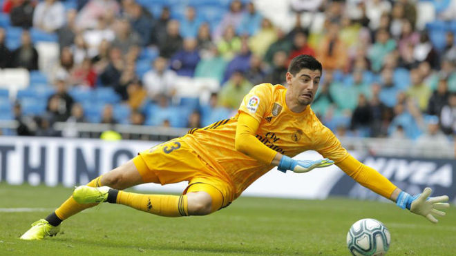 Courtois is earning points for Real Madrid - Bóng Đá