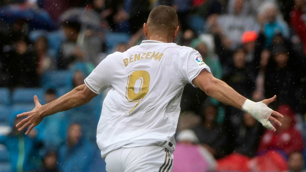 Benzema in Cristiano Ronaldo mode - Bóng Đá