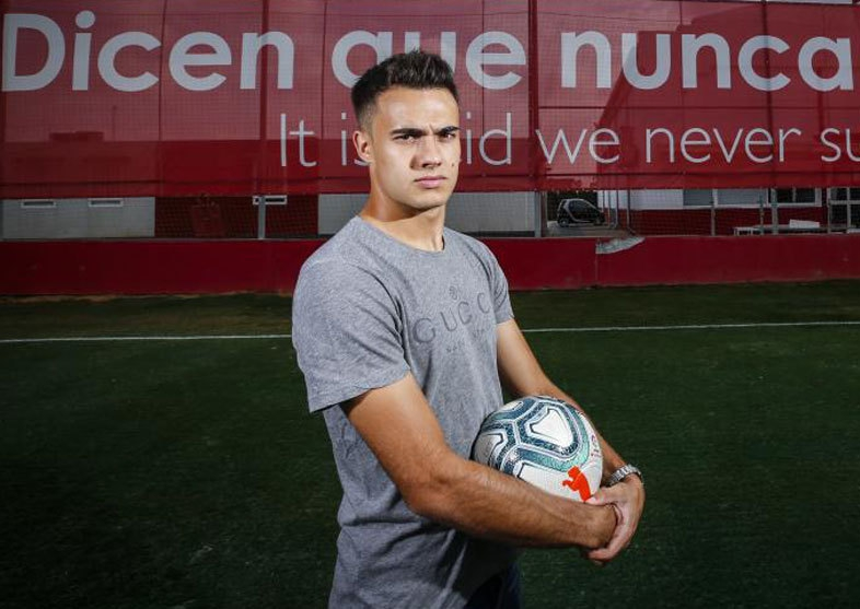 Reguilon: Right now my team is Sevilla, my badge is Sevilla and my fans are the Sevilla fans - Bóng Đá