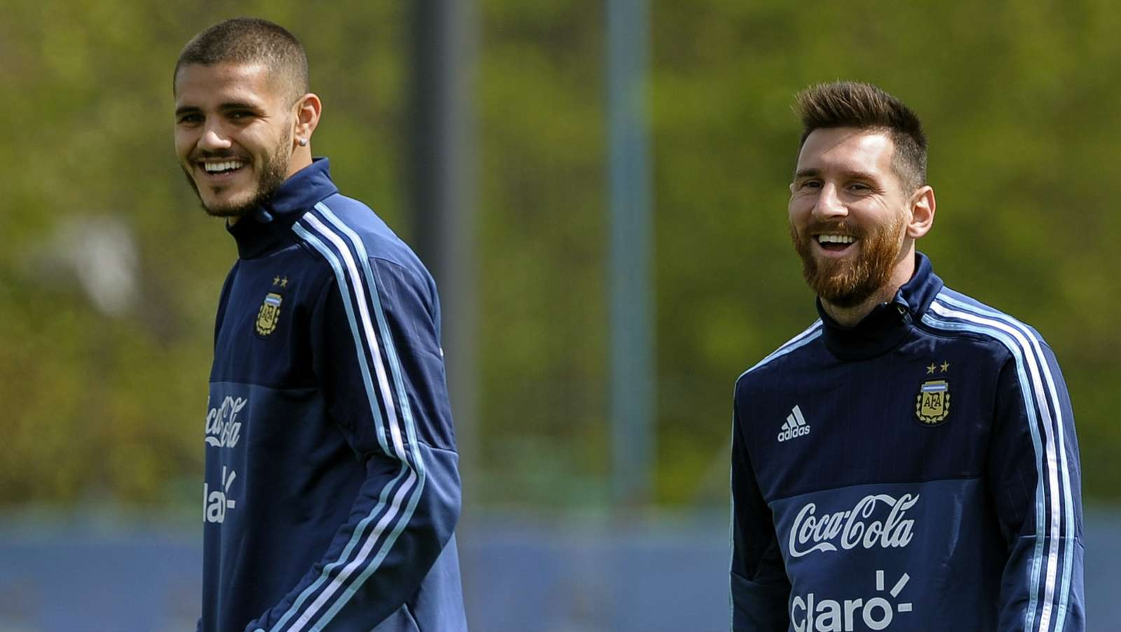 'He is the best player in the world' - Icardi rubbishes claims of rift with Messi - Bóng Đá