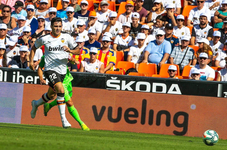 Valencia đánh rơi điểm trong ngày