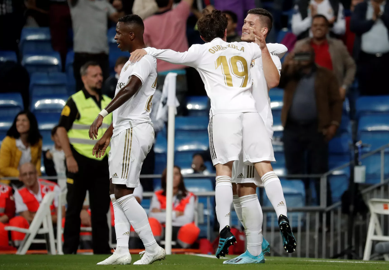 Zidane should look to his bench for offensive alternatives - Bóng Đá
