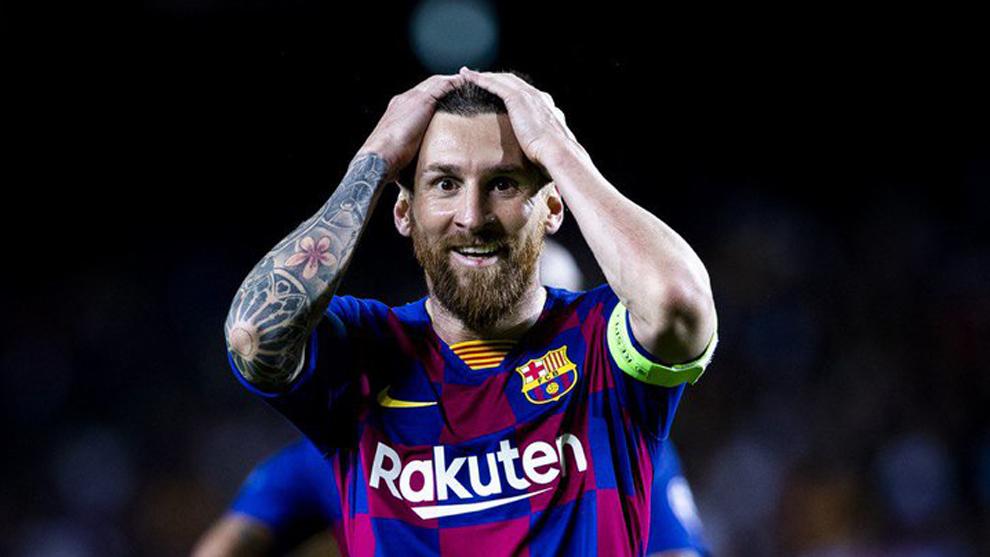 Messi's incredible reaction to Luis Suarez's first goal - Bóng Đá