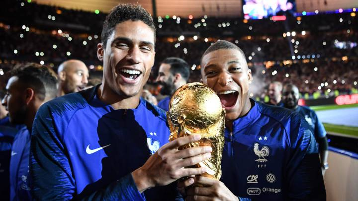Varane: I always want Mbappe in my team - Bóng Đá