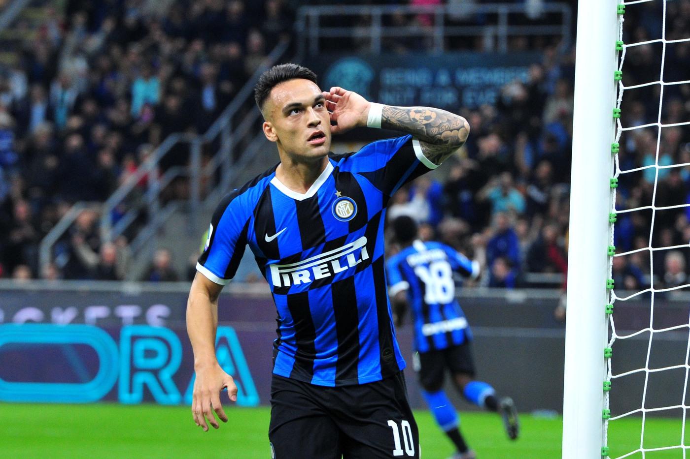 Report: Barcelona eyeing pair of Milan strikers - Bóng Đá