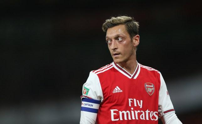 Mesut Ozil 'offers himself to Barcelona' - Bóng Đá