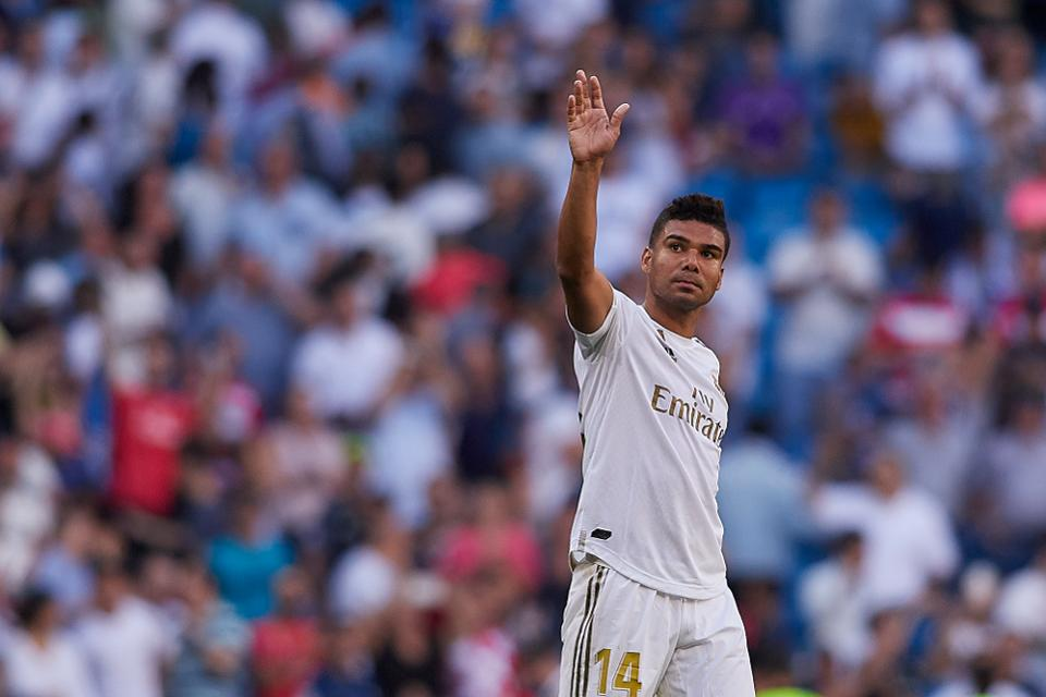 El Clasico no longer at risk for Casemiro as yellow card is rescinded - Bóng Đá