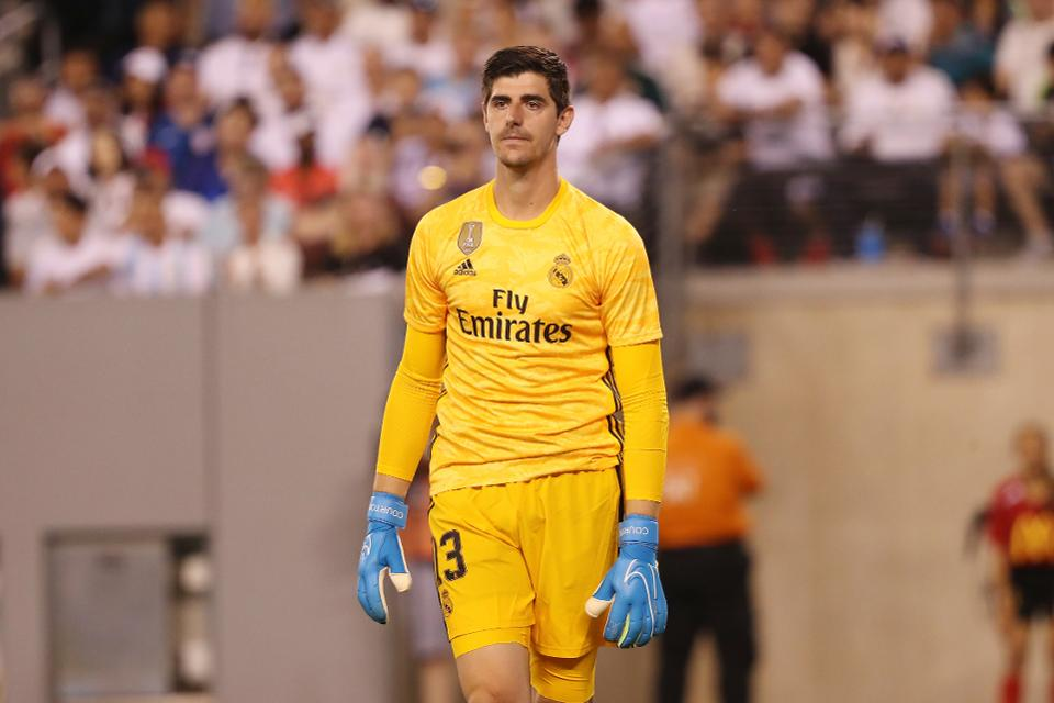 Real Madrid fans don't want Thibaut Courtois to play vs Galatasaray - Bóng Đá