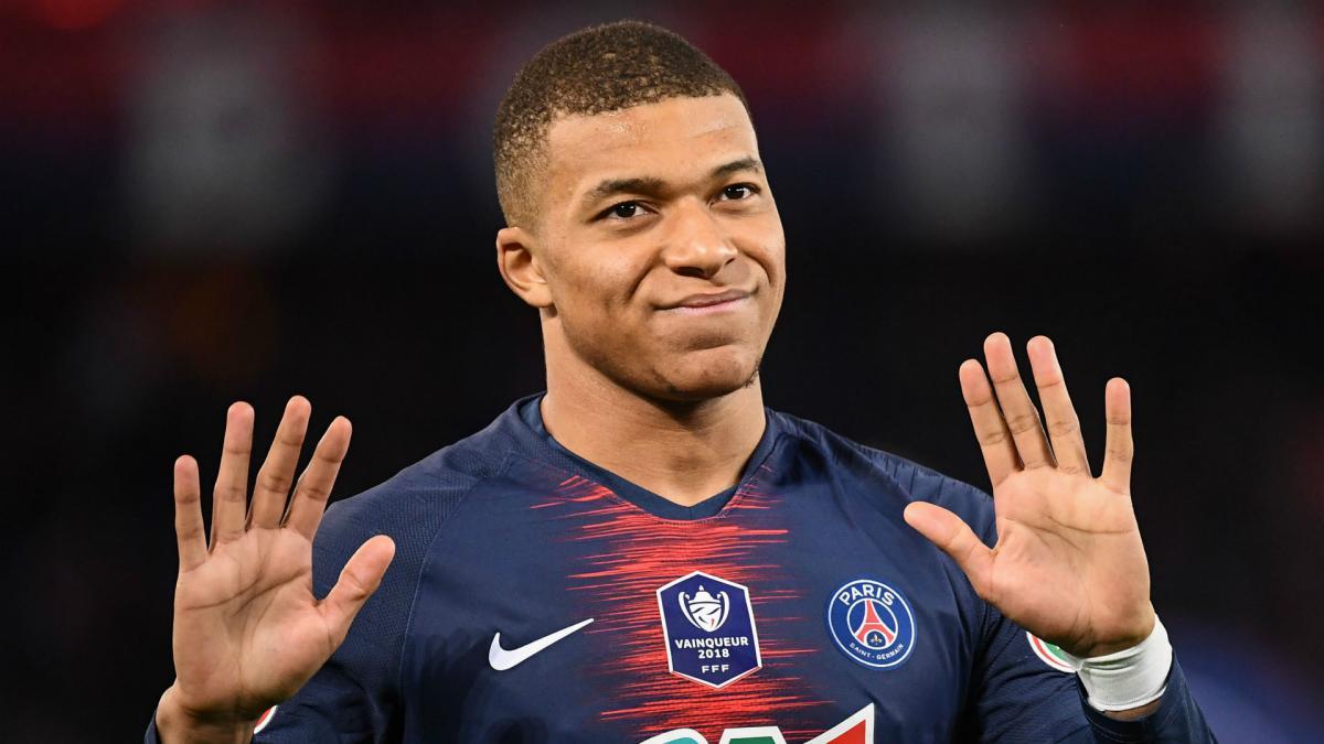 PSG reportedly preparing huge Mbappe renewal to ward off Real Madrid interest - Bóng Đá