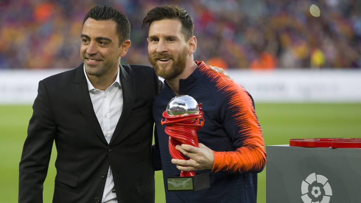 Thi đấu cho Barcelona 750 trận suốt sự nghiệp đỉnh cao, Xavi cũng là người đàn anh mà những ngôi sao như Lionel Messi tôn trọng. Nếu Xavi dẫn dắt Blaugrana, cái gật đầu đầu tiên chắc chắn đến từ El Pulga.
