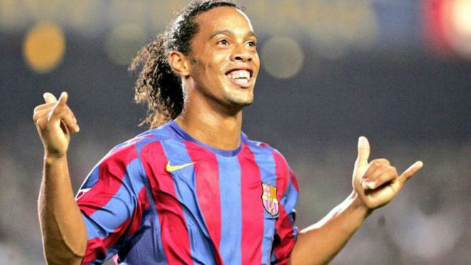 Willian: Messi is very good, but Ronaldinho was the best of them all - Bóng Đá