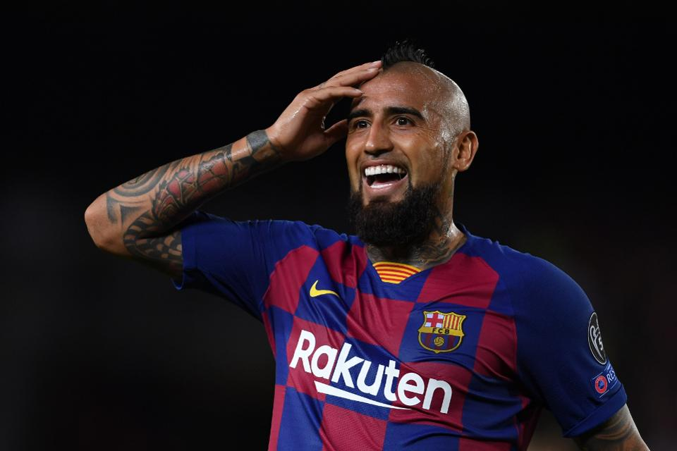 "Inter Linked Vidal: ""I'd Like To Stay At Barcelona But If I No Longer Feel Important I'll Have To Find A Solution"" - Bóng Đá"
