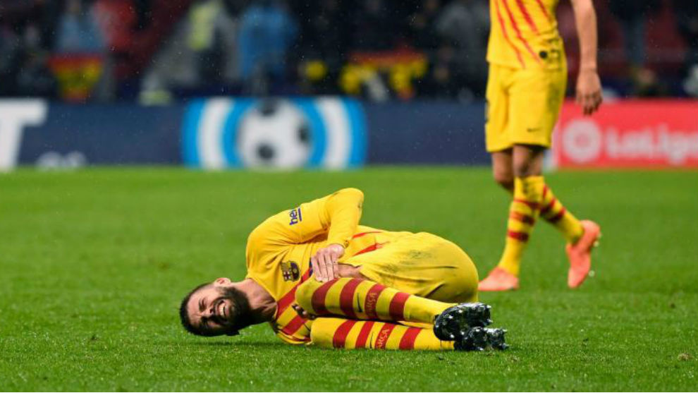 Early end to Pique's night due to injury - Bóng Đá