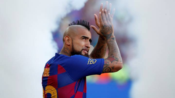 Ernesto Valverde suggests Arturo Vidal could leave for Man United - report Read more at https://www.fourfourtwo.com/news/barcelona-man-united-arturo-vidal-transfer#fxklsF64e2XgJWLt.99 - Bóng Đá