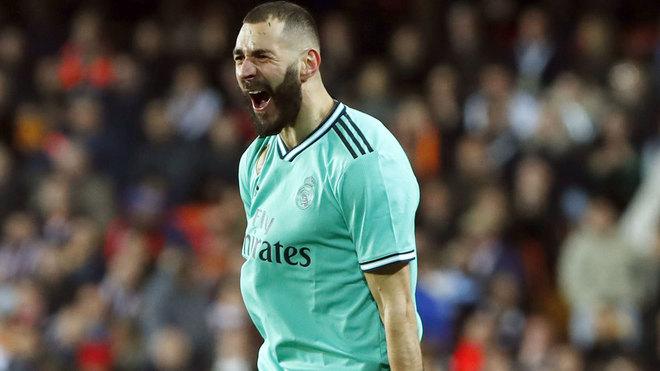 Benzema draws level with Messi in Pichichi race - Bóng Đá