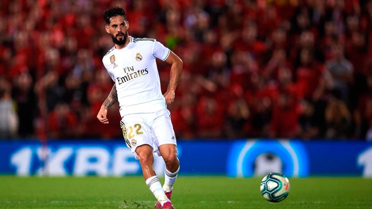 Chelsea fans thrilled by links to Real Madrid's Isco - Bóng Đá