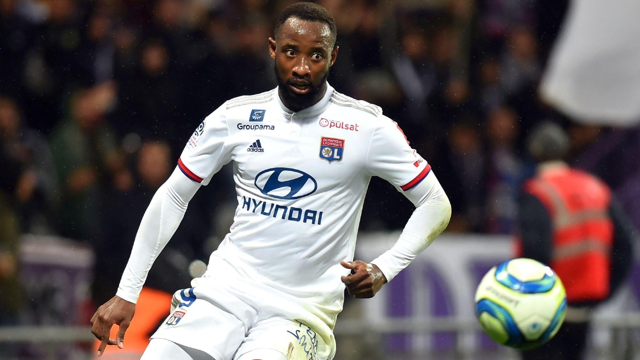 Chelsea target Lyon's Moussa Dembélé to boost Lampard's attacking options - Bóng Đá