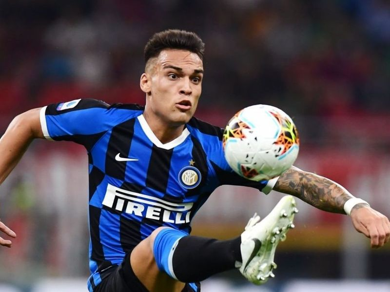 Inter Milan striker Lautaro Martinez happy to be linked with Man Utd and Man City but in no rush to leave Italy - Bóng Đá