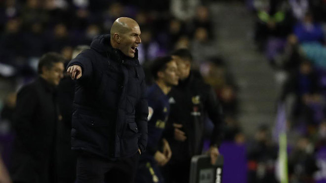 Zidane on his hug with Nacho: Just before the goal I told him to attack the near post - Bóng Đá