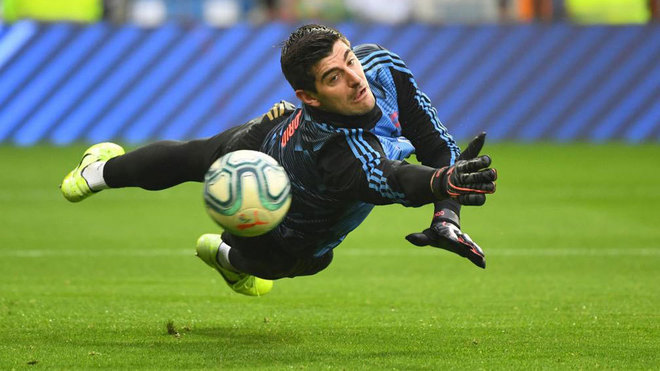 Courtois: I had to be strong to overcome the difficult moments - Bóng Đá